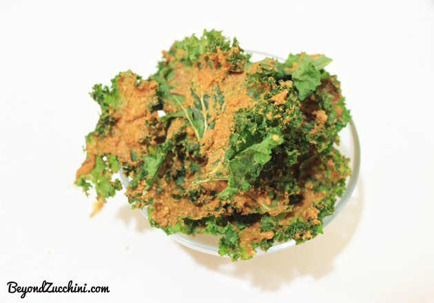 Vegan-spicy-cheesy-kale-chips-1